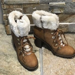 Brand new without box Guess, tan & faux fur bootie